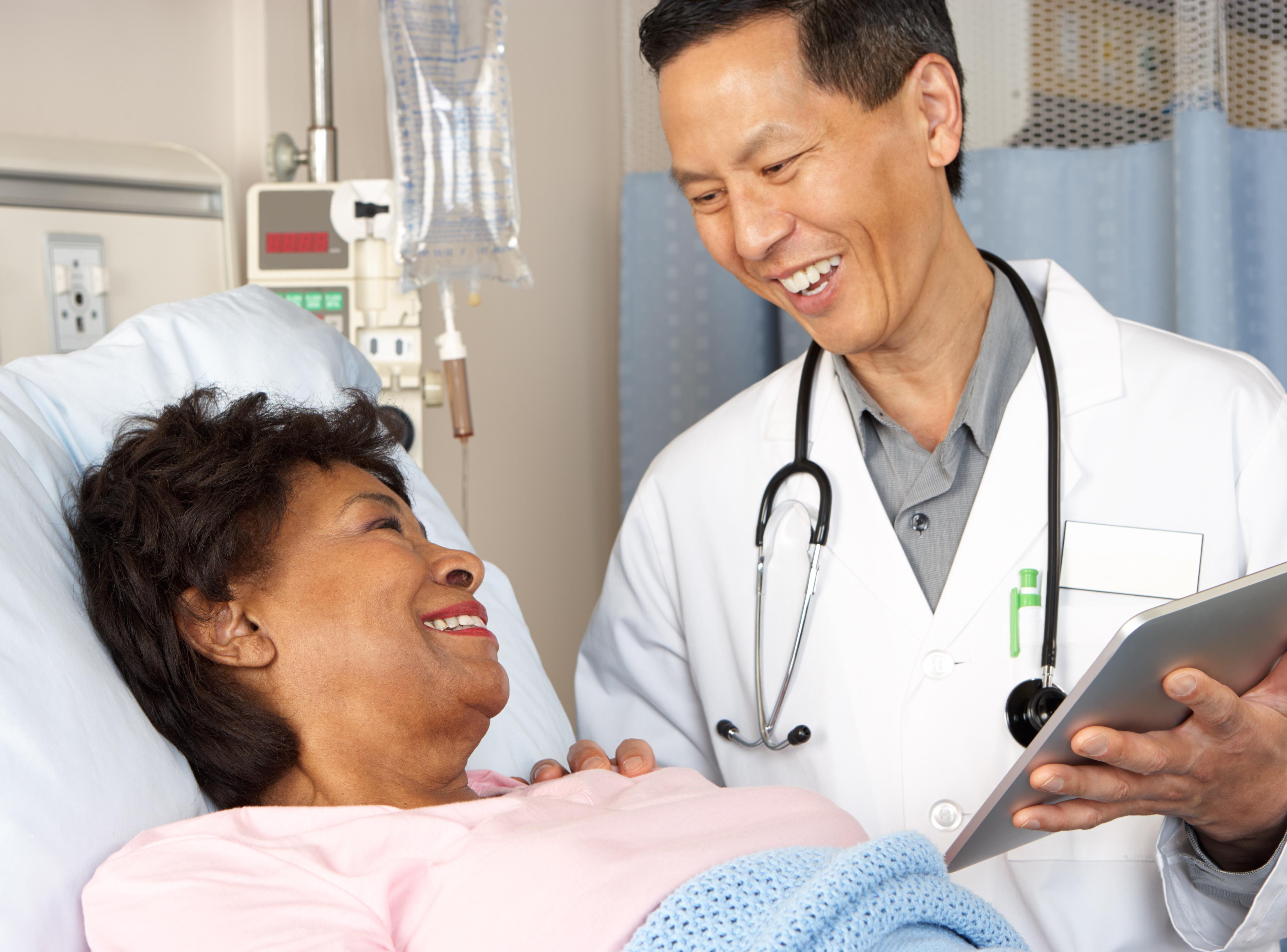 Doctor-tablet-senior.jpg